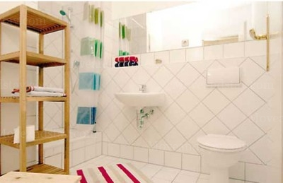 Brahms - Bathroom Studio Apartment 34 Sq.m. Apartments at Schoenhauser Allee 5
