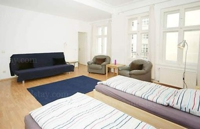 Gluck - Living Area Studio Apartment 34 Sq.m. Apartments at Schoenhauser Allee 5