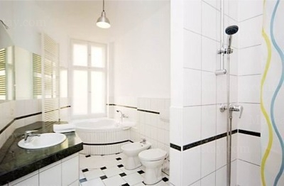 Hindemith - Bathroom Studio Apartment 34 Sq.m. Apartments at Schoenhauser Allee 5