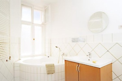 Schubert - Bathroom Studio Apartment 34 Sq.m. Apartments at Schoenhauser Allee 5