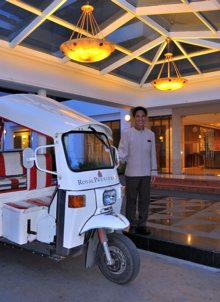 Tuk Tuk Services Studio Apartment 30 Sq.m. Royal President Bangkok