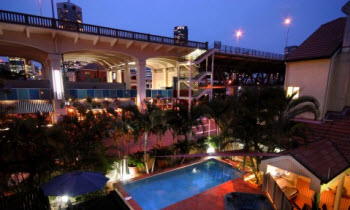Night View 2-Bedroom Apartment 65 Sq.m. Quest on Story Bridge