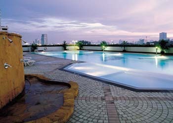 Outdoor Swimming Pool 2-Bedroom Apartment 96 Sq.m. Somerset Lake Point