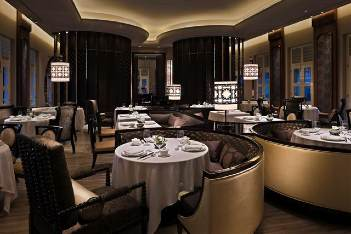 Restaurant 3-Bedroom Apartment 222 Sq.m. The Club at Capella Singapore