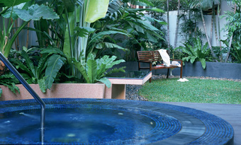 Jacuuzzi Garden 1-Bedroom Apartment 60 Sq.m. Siri Sathorn A Beaufort Serviced Residence