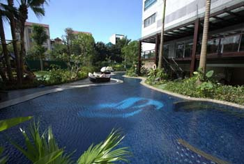 Resort-Style Swimming Pool 3-Bedroom Apartment 285 Sq.m. Fraser Suites Hanoi