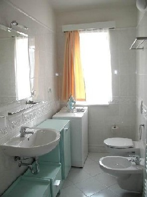 Apartment No. 13 - bathroom 2-Bedroom Apartment 74 Sq.m. Truhlarska Apartment House