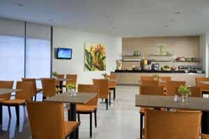 Restaurant 2-Bedroom Apartment 69 Sq.m. Citadines Mount Sophia Singapore