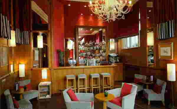 Lounge bar Studio Apartment 25 Sq.m. Mamaison Hotel Riverside Prague