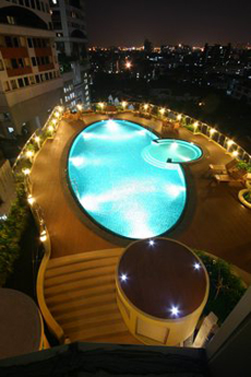 Swimming Pool 3-Bedroom Apartment 300 Sq.m. Seven Place Executive Residence