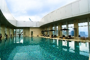 Swimming Pool 1-Bedroom Apartment  Sq.ft. Four Seasons Place Hong Kong