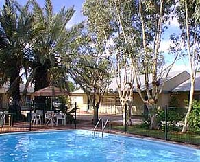 Swimming Pool & BBQ Area Studio Apartment 0 Sq.m. Alice Motor Inn