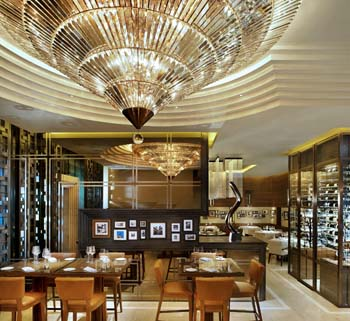 Restaurant 1-Bedroom Apartment 102 Sq.m. The St.Regis Bangkok