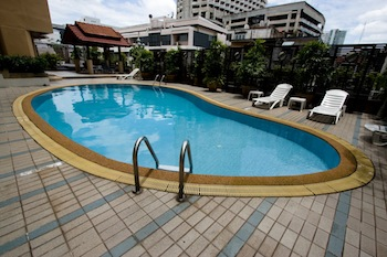 Swimming Pool 1-Bedroom Apartment 50 Sq.m. Astera Sathorn Bangkok
