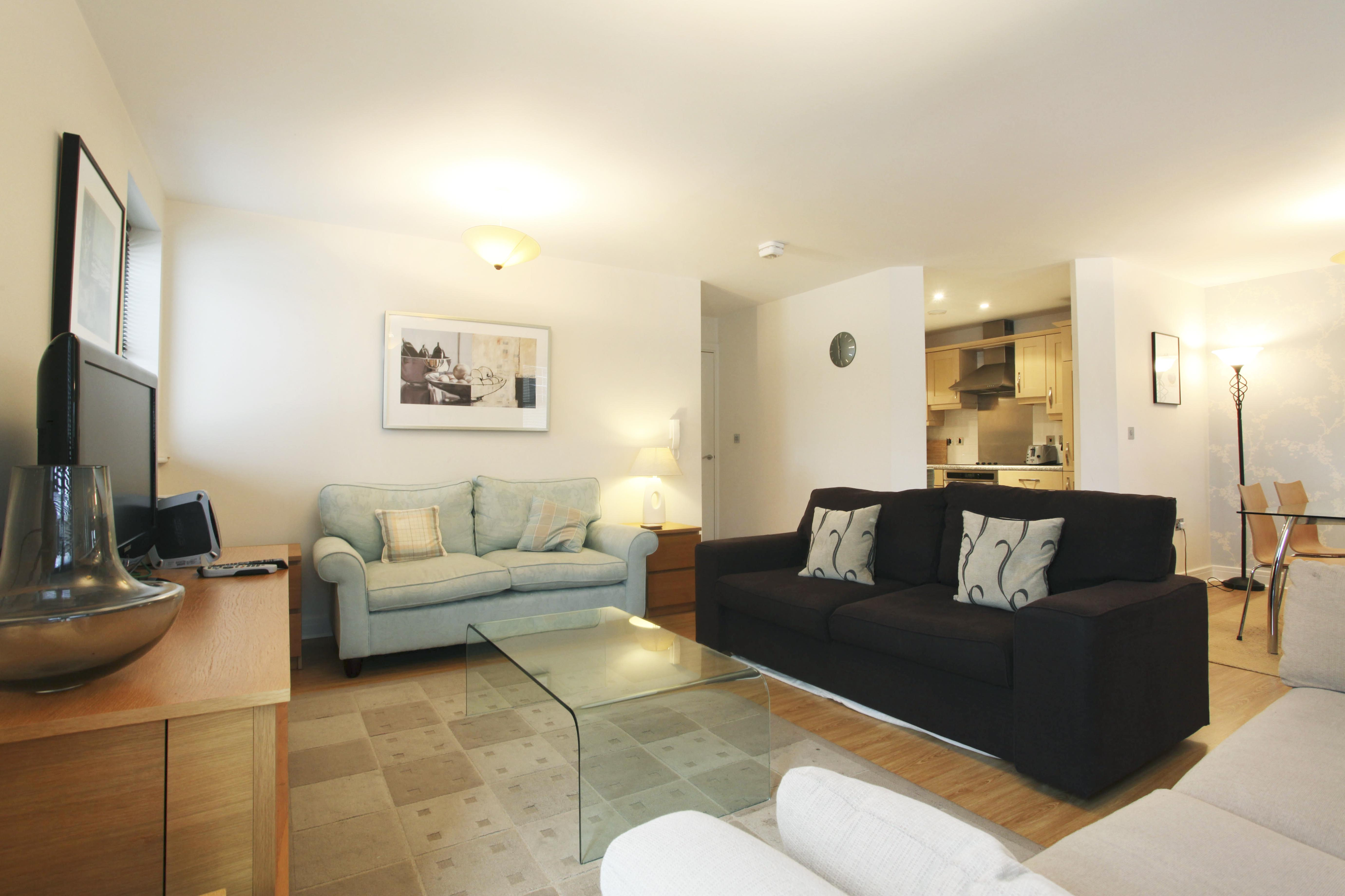 Serviced Apartments Ref: Imperial Court