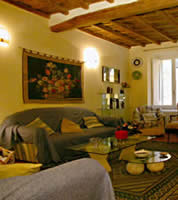 Rome Apartments Via Vittoria (VIT2)