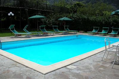 The apartment is part of a Residence which is located nerby Sorrento`s central town ; the residence has a spacious private car park; a garden with tipycal mediteranean vegetation (lemon/orange trees)