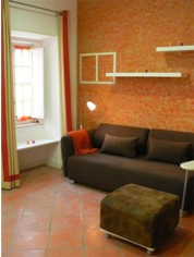 The apartment is a short walking distance from the other picturesque neighbourhoods of Baixa and Castle. Nearby you have all kinds of traditional commerce, bars and restaurants and access to the train