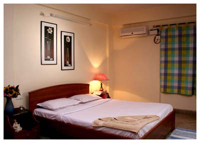 Homestay Service Apartments welcomes you to the world of executive luxury and elegance. We provide you with finest and well-resourced luxury apartments inside Bangalore city at a reasonable rate for s