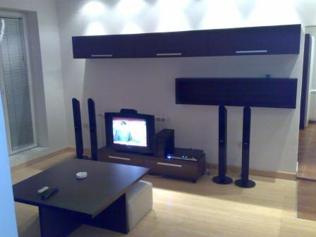 I rent, on the top floor 7/7 with lift, a renovated apartment in the absolute center of Belgrade on Kralje Petra. This  two-bedroom furnished apartment is 70 sq.m and is located . The apartment has 1