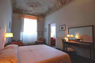 "The apartment blends 17th century splendor with a central location. The Duomo Cathedral, one of the city's most famous landmarks, is just 600 meters away. The romantic Ponte Vecchio (""old bridge�"