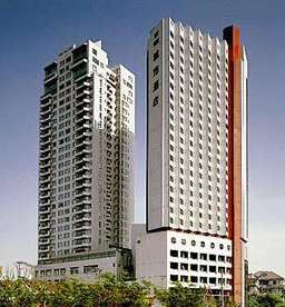 High rise building, 4 units in each floor. This  three-bedroom furnished apartment is 156 sq.m and is located . The apartment has 2 bathroom. The minimum length of stay for this apartment is 1 Night(s
