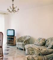 1-bedroom modern style apartment (comfortable for 1-4 Persons). This  one-bedroom serviced apartment is 0 sq.m ,  and can sleep 2 people maximum.  The apartment has 1 bathroom. The minimum length of s