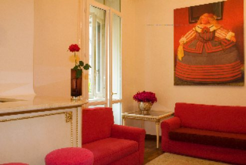 Charming apartement located in the business heart of Milan and the pedestrian area of Cordusio/Cairoli, 10 min walk away from the Duomo and from the historical quarter of Brera, in a street with limit