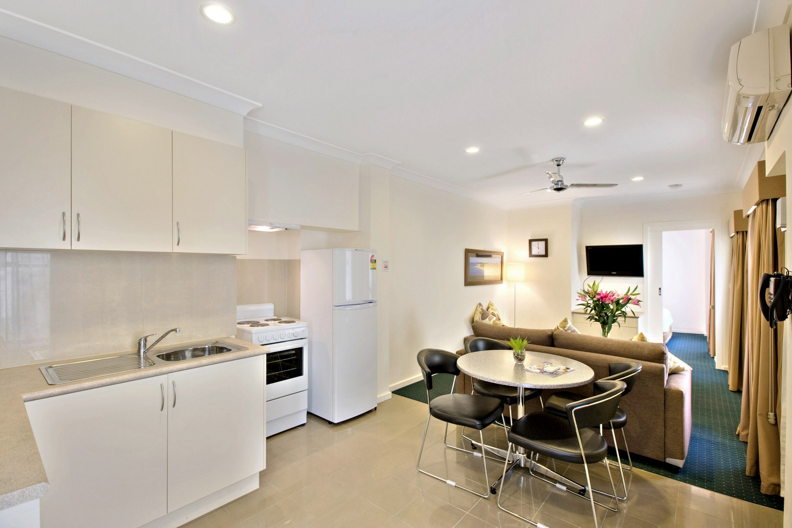 Located In Cosmopolitan Brunswick, 4 Km North Of The City Centre.  Overlooking Princes Park