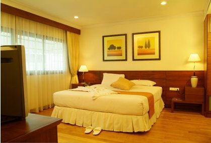 Admiral Suites are luxury, serviced apartments in Bangkok. Managed by Compass Hospitality, Admiral Suites combines the convenience of home with the luxury of a Bangkok hotel and provides an oasis of r
