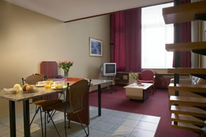 The Arass Business Flats l in Antwerp is not just service apartmentsl. With its 89 furnished apartments fitted with all modern comfort, fully equipped kitchens, it offers an alternative for the demand