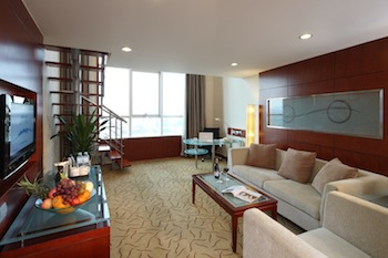 These 4 Stars Beijing Deluxe Hotel and Serviced Apartment is the stylish choice for the discerning traveler, both for short and extended stay. The well appointed hotel rooms offer contemporary comfort