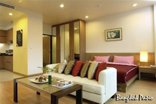 Bangkok Patio offers comprehensive facilities with beautifully landscaped, tranquil, and peaceful surroundings. The lush environment creates a sanctuary that makes stay at this serviced apartment comp