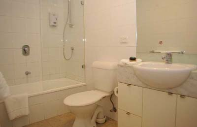 Bathroom with Euro laundry 1-Bedroom Apartment 74 Sq.m. Bayviews at Southbank