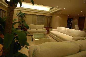 If you want a safe and secure serviced accommodation in Beijing then you should consider staying at Beijing Serviced Stay - State Apartment. The apartment hotel offers 24 hours security along with car