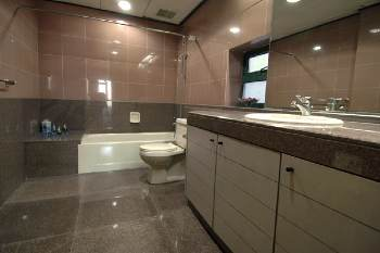 Bathroom 2-Bedroom Apartment 105 Sq.m. Beijing Serviced Stay - State Apartment