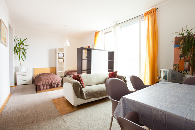 Modern comfortable and central This  two-bedroom furnished apartment is 65 sq.m and is located . The apartment has 1 bathroom. The minimum length of stay for this apartment is 1 Night(s).