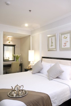 This place is ideal for Business traveller. We are friendly and warm welcome. We try our best to meet you requirements and also never stop to improve ourselves inorder to serve you. Cape House offers