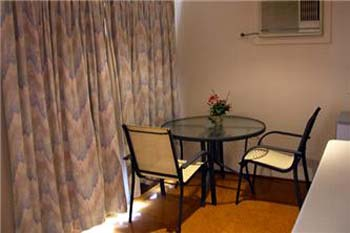 Dinging area 1-Bedroom Apartment 45 Sq.m. Central City Accommodation - Melbourne Western Suburbs (Albanvale)