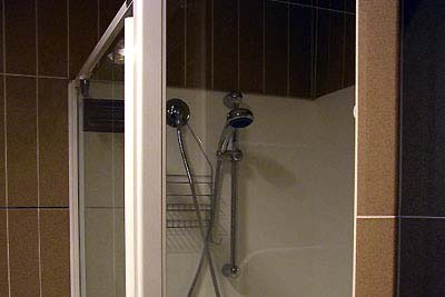 Shower Room 1-Bedroom Apartment 45 Sq.m. Central City Accommodation - Melbourne Western Suburbs (Albanvale)