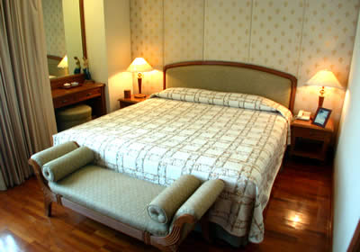 Centre Point Langsuan Serviced Apartments