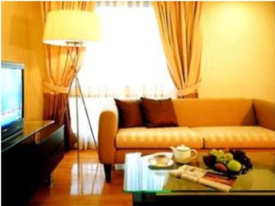 Chateau de Bangkok is perfectly located in a busy and growing commercial and shopping district. Every studio and apartment has a private Jacuzzi, wireless Internet access and a fully-equipped kitchen.