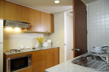 Kitchen 1-Bedroom Apartment 70 Sq.m. Chatrium Residence Bangkok - Sathon