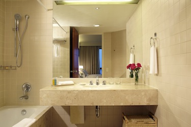 Bathroom 1-Bedroom Apartment 70 Sq.m. Chatrium Residence Bangkok - Sathon