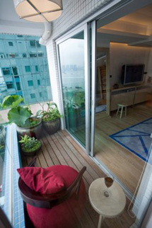 Balcony 1-Bedroom Apartment 98 Sq.m. CHI Residences 120 (Pet Friendly)