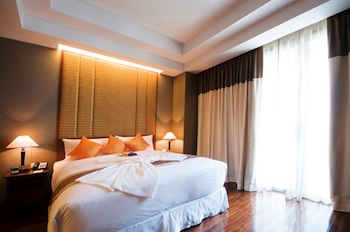 Column Bangkok, 5-star accommodation located in the centre of Bangkok, surrounding main business are and entertainment avenue. These residence offer a luxurious of services, you will be sure that the