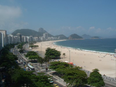 Av. Atlântica - Front Beach: The apartment is situated on the 9th floor. You have a breathtaking view to the beach of Copacabana. Several doormen take care about the security. 24 hours a day. They he