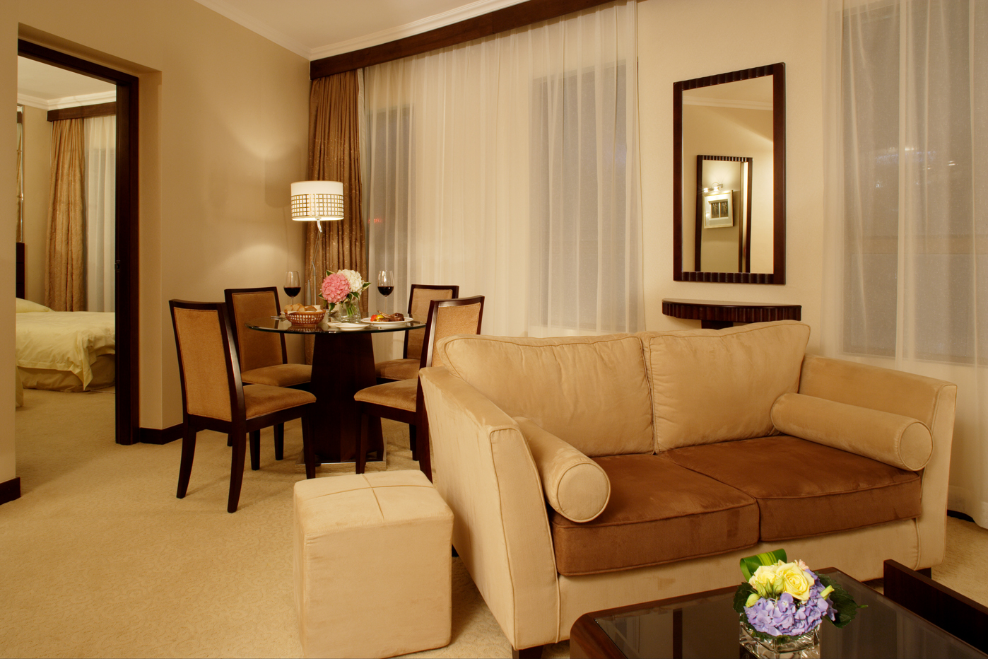 Cosmopolitan Hotel Hong Kong is conveniently located between downtown Causeway Bay and Wan Chai, yet enjoying the tranquility and the panoramic view of the city skyline and the Happy Valley race cours