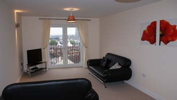 Exceptionally spacious Two Bedroom Apartments located between Swindon Town Centre and Old Town. Free Parking, Free Wireless Internet This  two-bedroom serviced apartment is 0 sq.m ,  and can sleep 4 p
