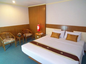 Dream Town Pratunam is a budget city hotel and located in the heart of Bangkok, where is Business Centre, Fashionable, and High Street Shopping. A short walk are among all Bangkok shopping center psyc